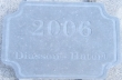 Gravure numéro de maison et nom de famille sur pierre bleue